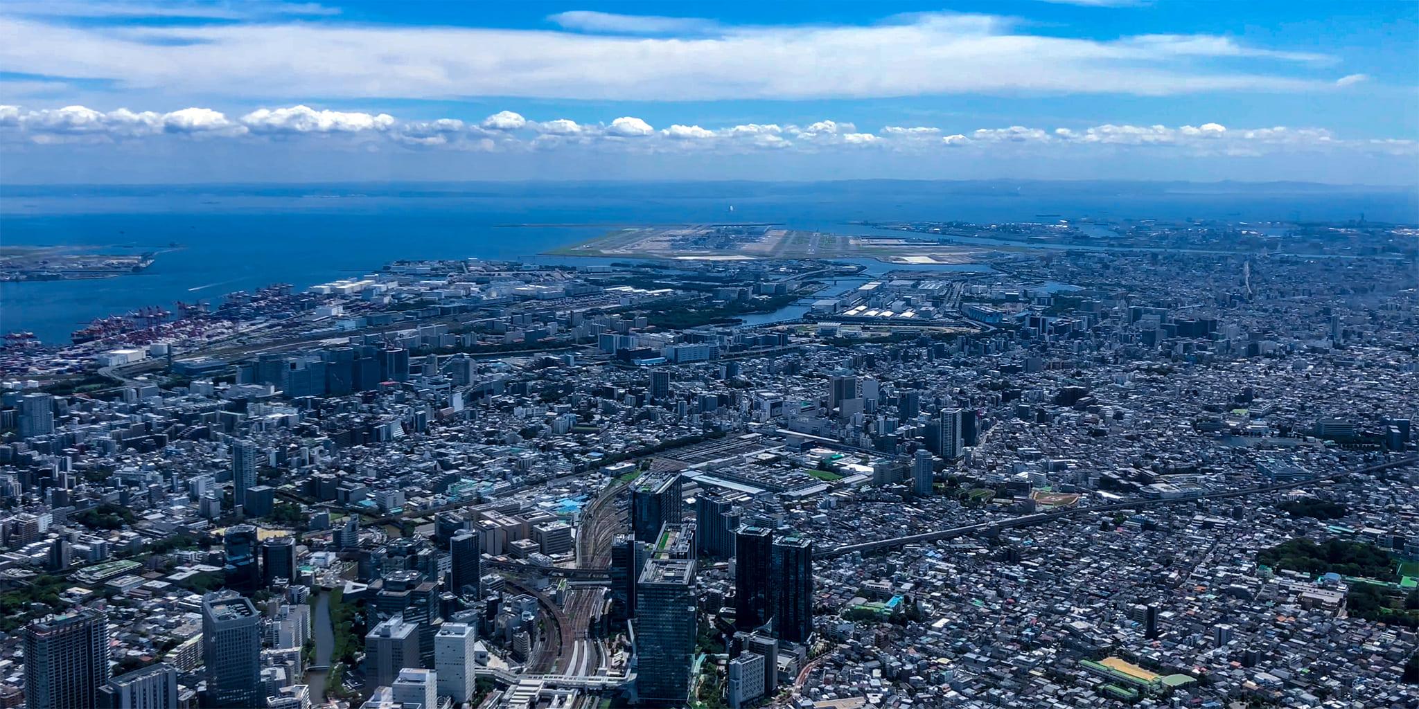 ヘリコプターで東京上空をフライトして見える羽田