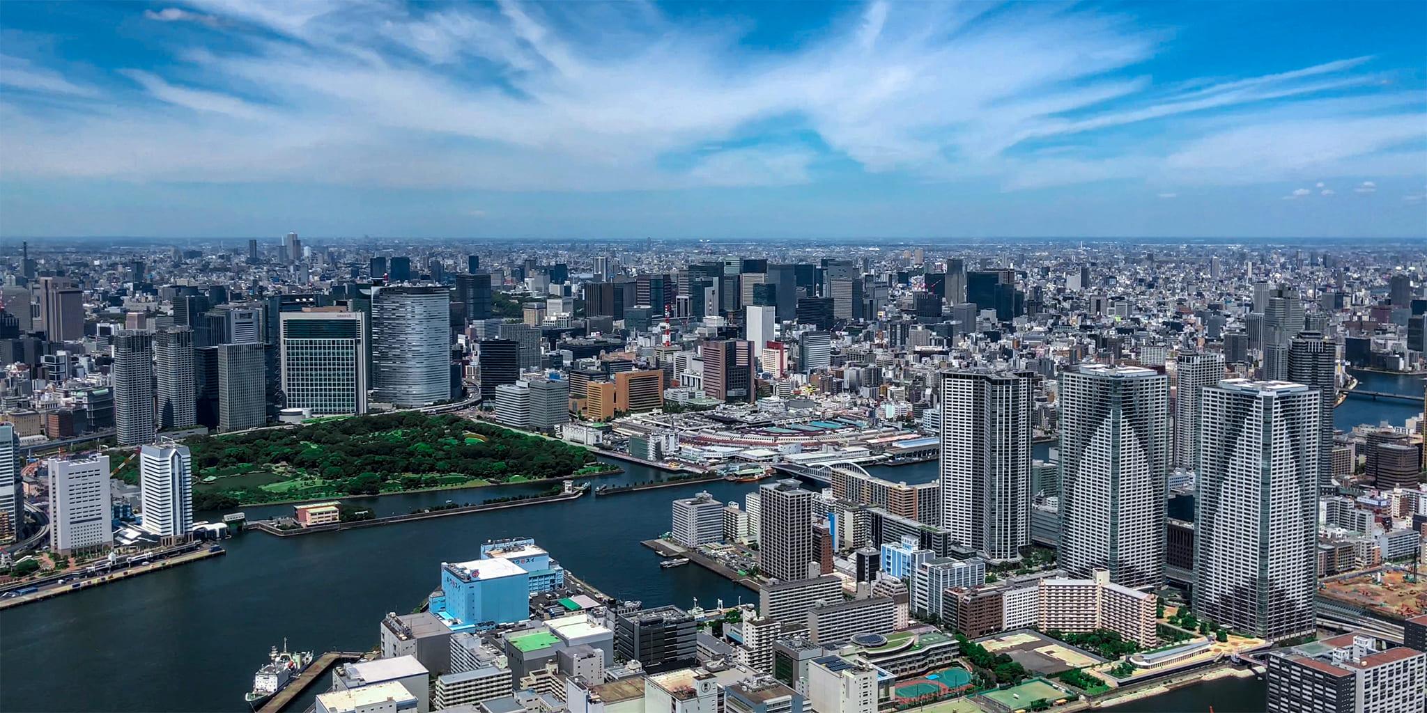 ヘリコプターで東京上空をフライトして見える晴海
