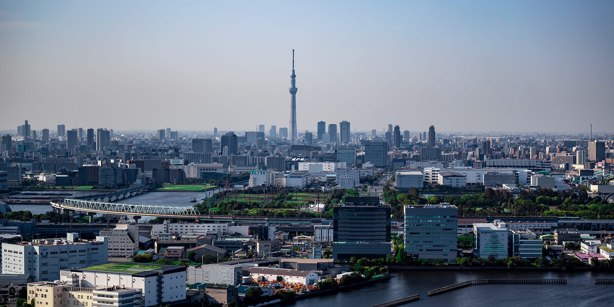ヘリコプターで東京上空をフライトして見える新木場