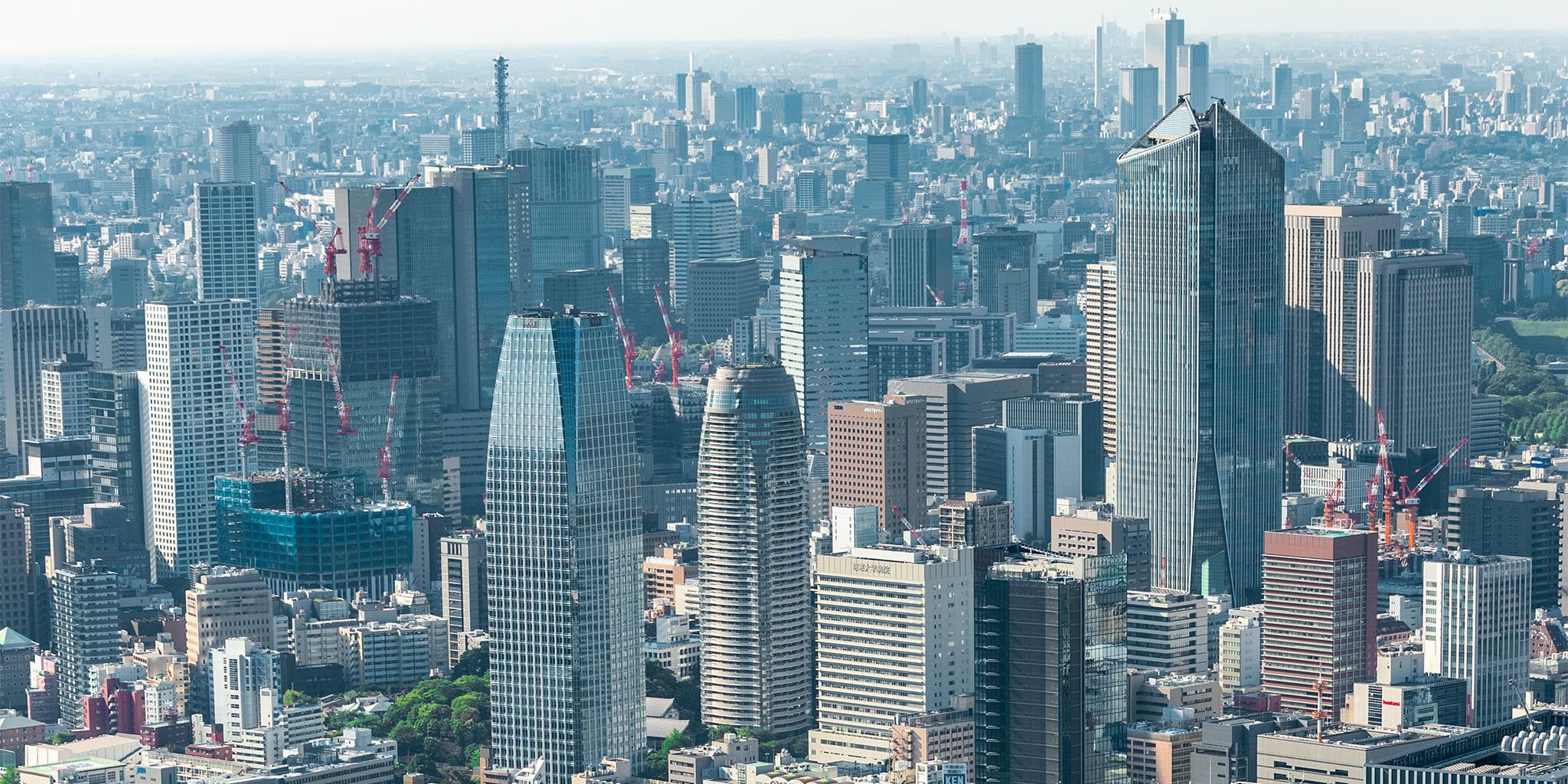 ヘリコプターで東京上空をフライトして見える虎ノ門