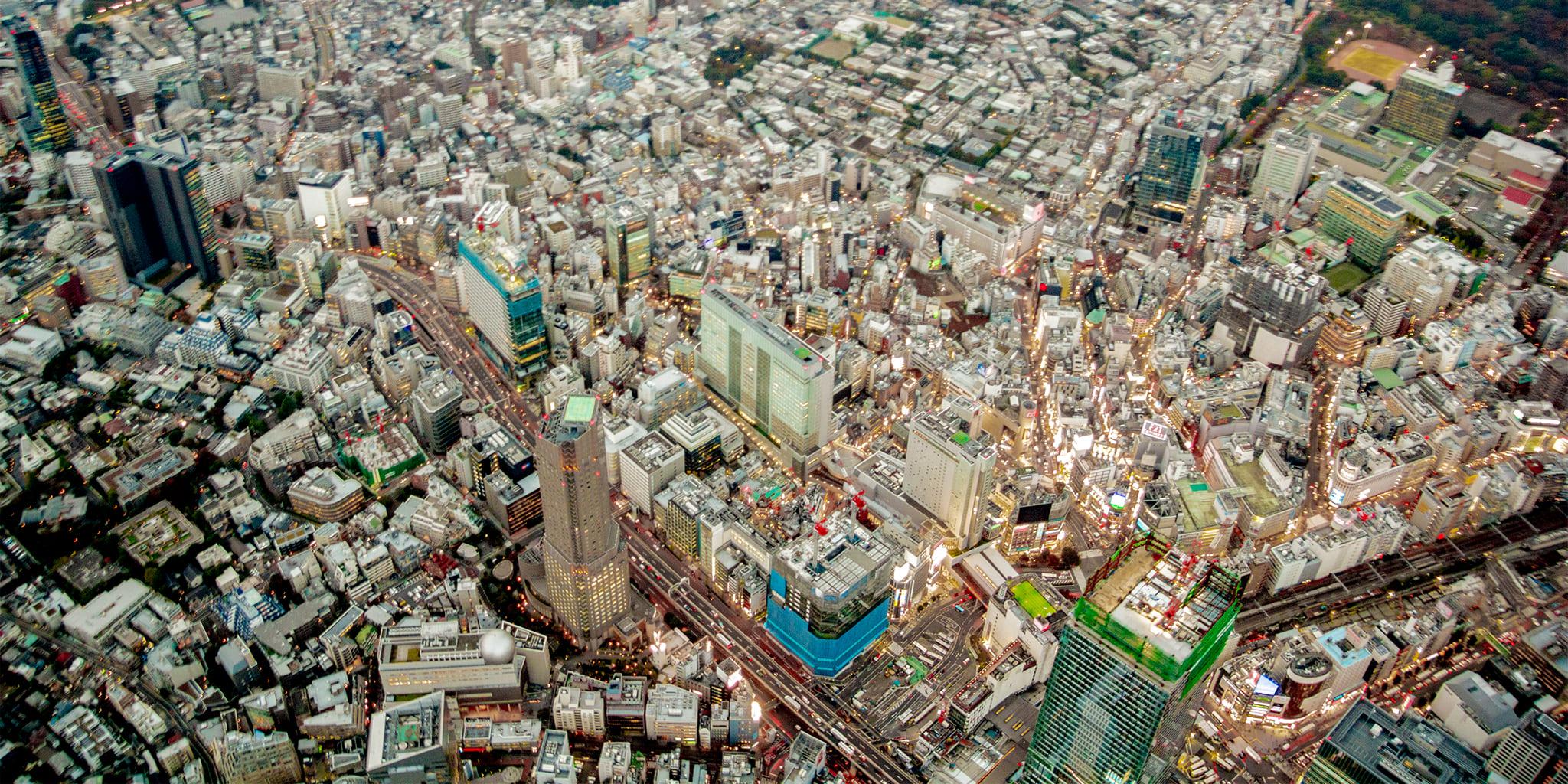 ヘリコプターで東京上空をフライトして見える渋谷